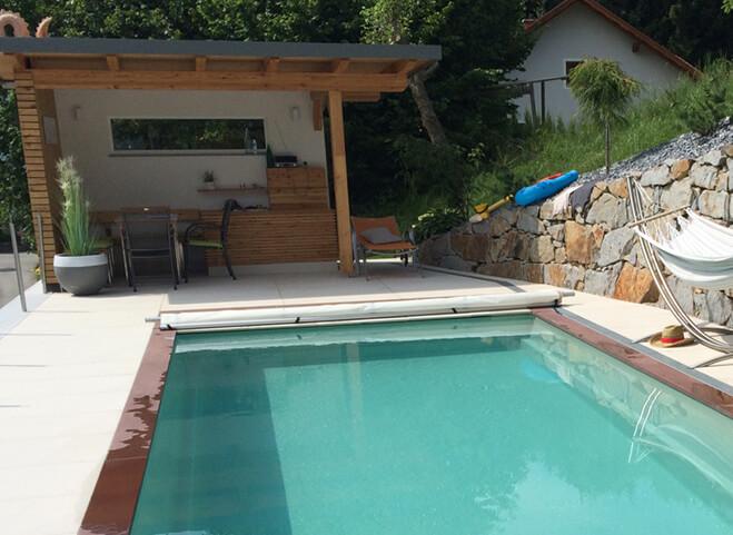 Luxusní zapuštěný bazén se zastřešením